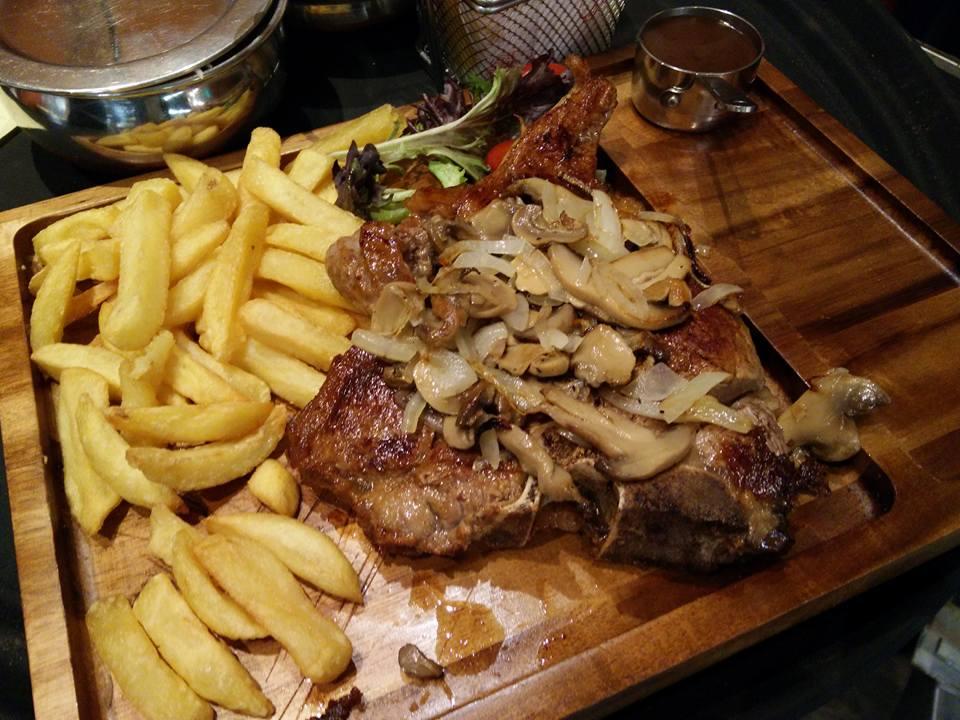 Takeaway Food Naz Indian Restaurant M30