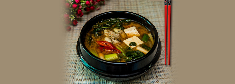 <h2 class='animated fadeInUp'>Welcome to Tako Yasoko </h2><p class='animated fadeInDown'>Ramen and Oriental Takeaway </p>