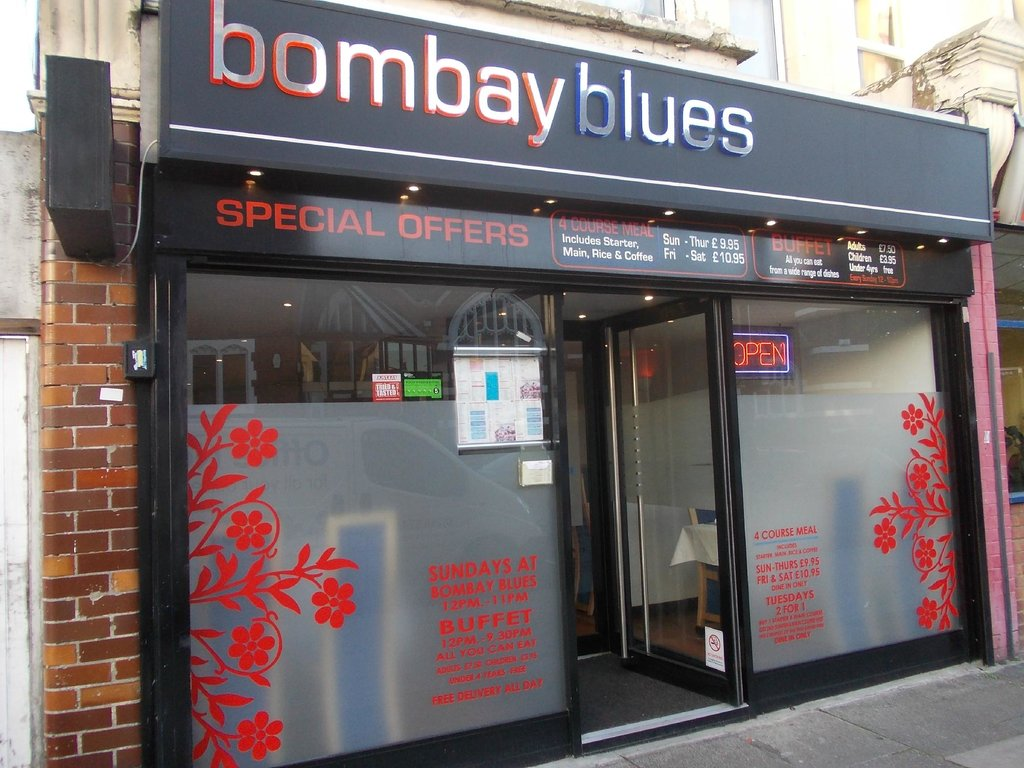 Front view at Bombay blues SS0