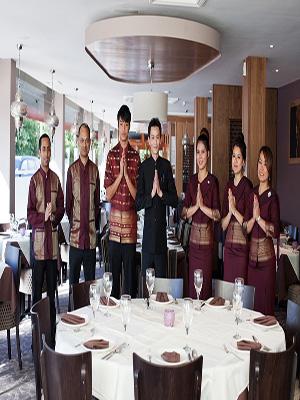 Restaurant Team Thai Moom At BR5