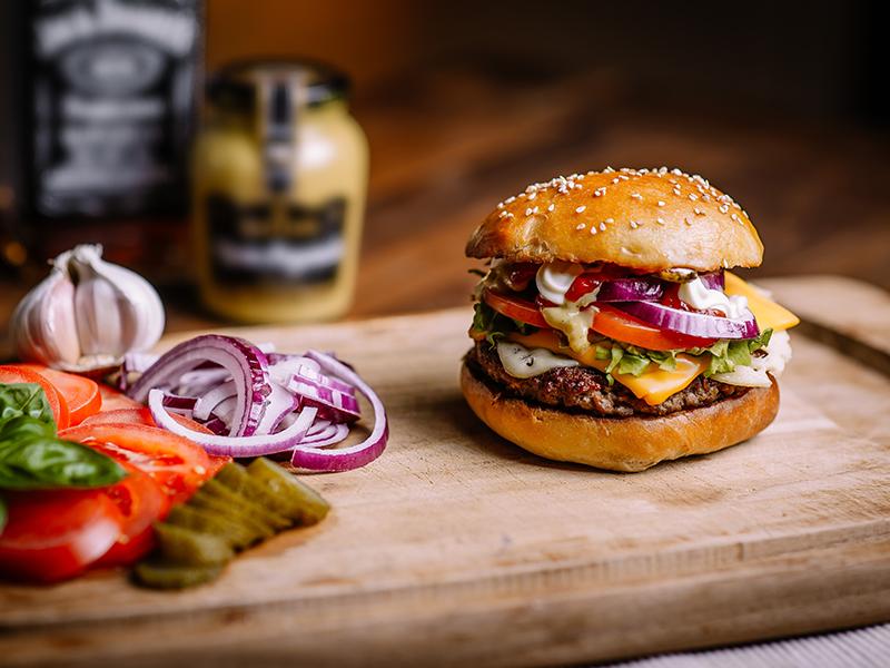 Takeaway hamburger the edge m27