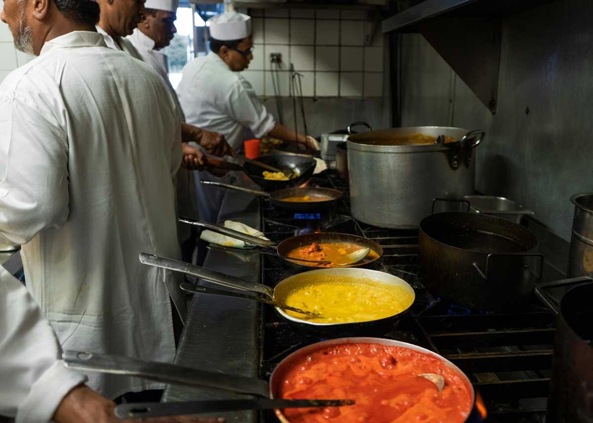 takeaway indian food Jayraj LU2