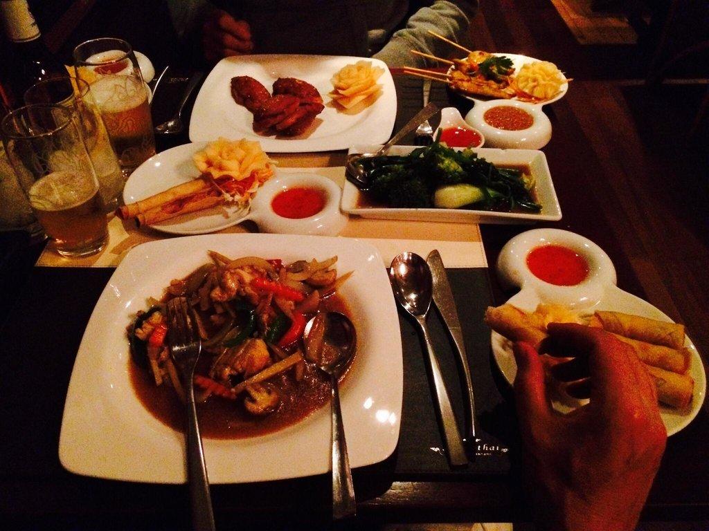 Takeaway thai food Sukhothai At HP16